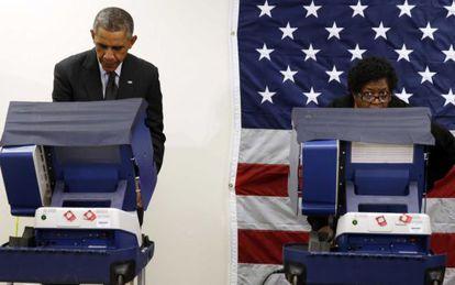 O presidente Obama vota em Chicago em novembro de 2014.