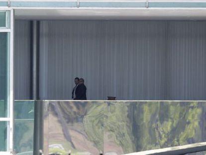 Lula articula com Dilma e ministros no Palácio da Alvorada. / UESLEI MARCELINO (REUTERS)