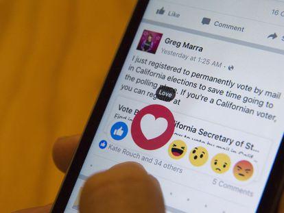 Demonstração dos novos botões do Facebook.