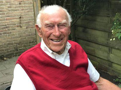 Frits Brockhus, de 102 anos, em sua casa de Zandvoort (Holanda), em 11 de julho.