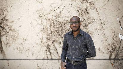 O escritor e fotógrafo norte-americano Teju Cole, em São Paulo.