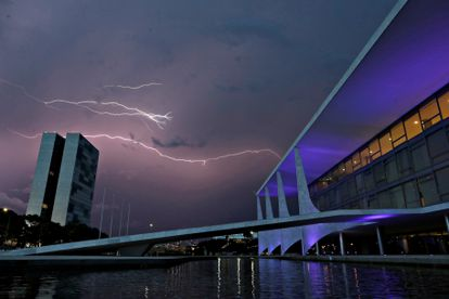 Lightning illuminates the sky above the National Congress and Planalto Palace in Brasilia, Brazil January 26, 2021. REUTERS/Ueslei Marcelino     TPX IMAGES OF THE DAY