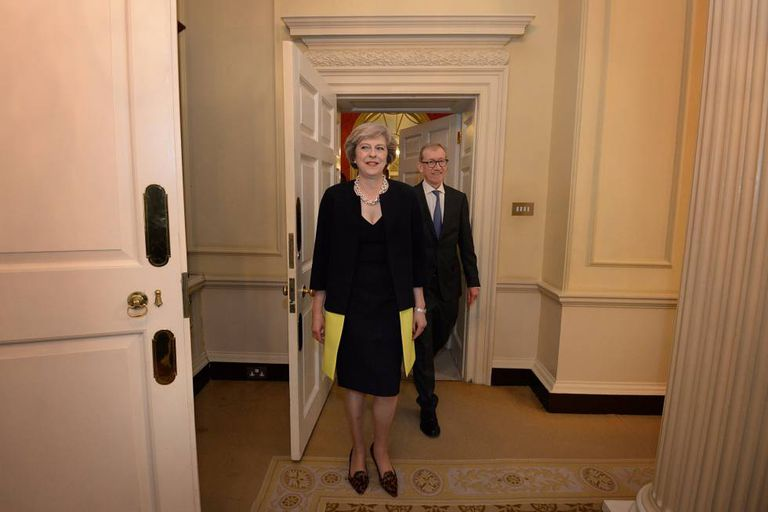 Theresa May chega ao número 10 da Downing Street na quarta-feira.