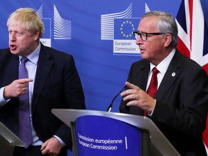 O presidente da Comissão Europeia, Jean-Claude Juncker, durante uma entrevista com Boris Johnson em Bruxelas, nesta quinta-feira.
