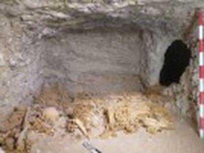 A sepultura, da XI Dinastia, foi encontrada na necrópole de Dra Abu el Naga pela equipe do projeto Djehuty