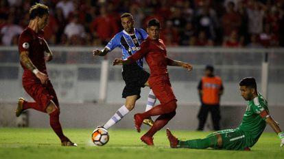 Luan marcou o gol do Grêmio em Avellaneda.
