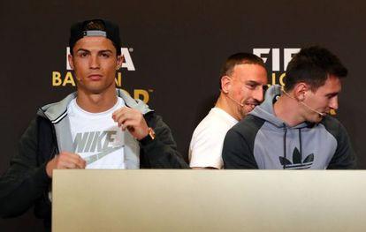 Cristiano Ronaldo, à esquerda, junto a Ribéry e Messi.