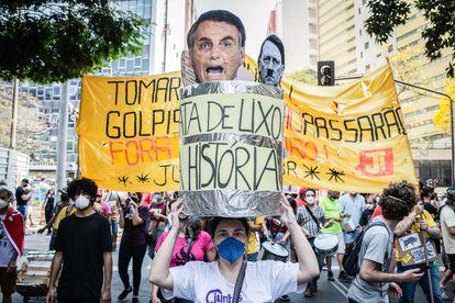 Manifestantes anti-Bolsonaro protestam nas ruas de Belo Horizonte no dia 7 de setembro.